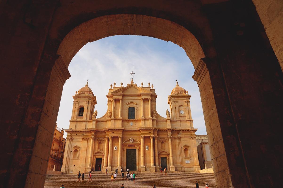 Noto, pietra viva – perla della Sicilia (il video)